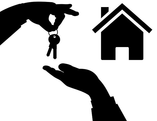 domek, předávání klíčů